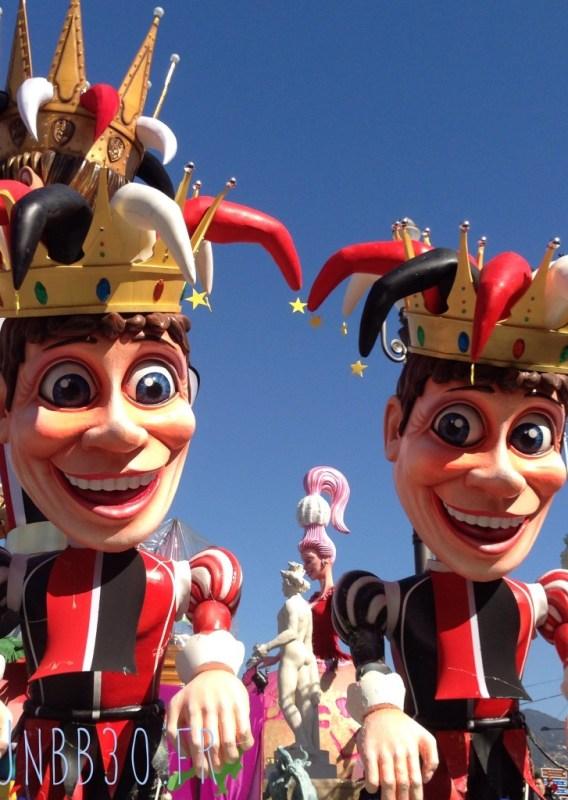 bataille des fleurs carnaval de Nice 06 les fous du roi
