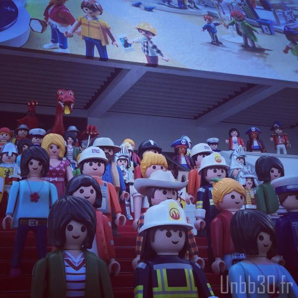 Playmobil Géants devant le palais des festival