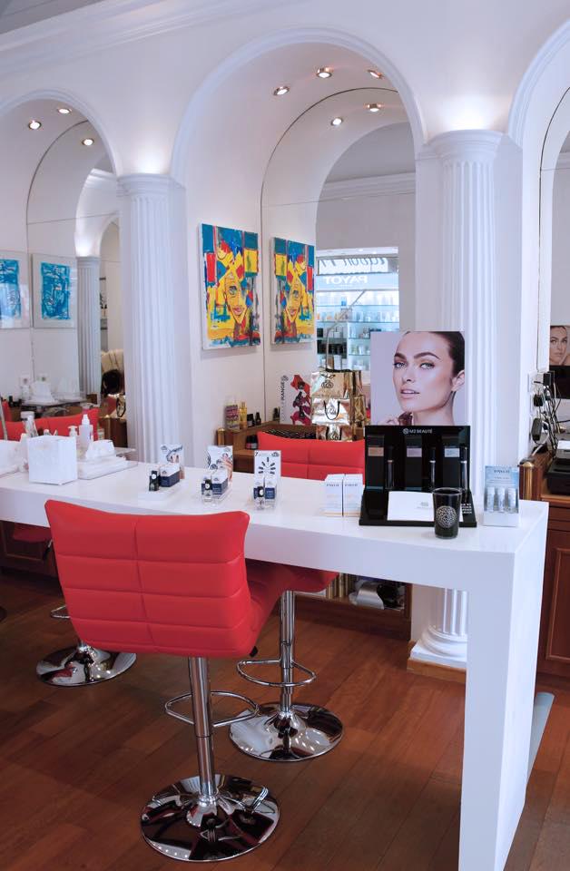 J'ai testé le Nail's Bar à Cannes et le semi permanent OPI