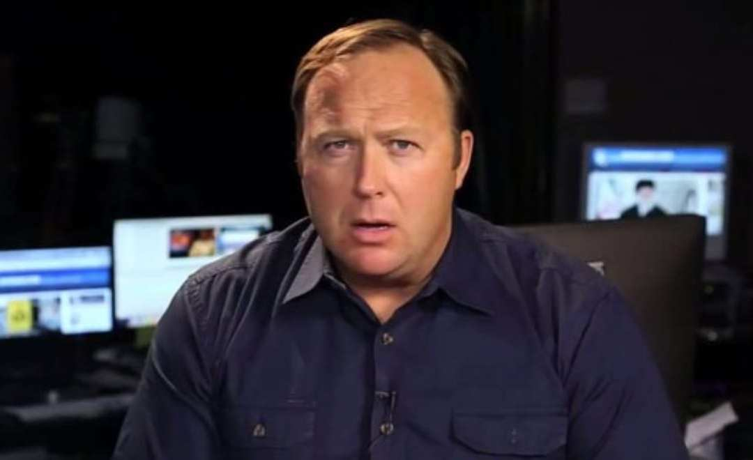 Megyn Kelly and Sandy Hook Alex Jones Interview Spark Outrage