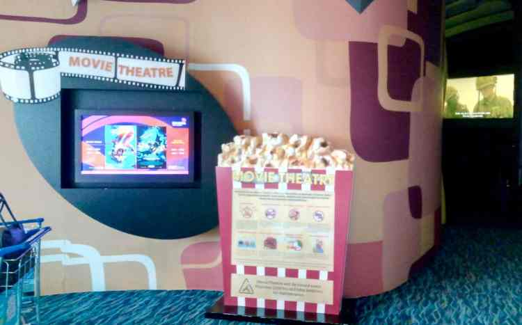 Movie Theatre Singapore Changi Airport Layover