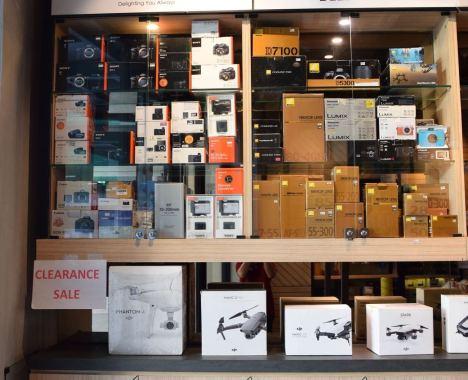 Henrys Clearance Sale_1