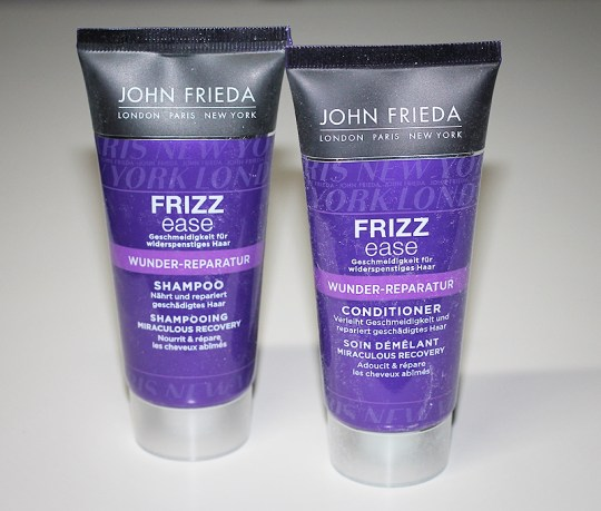 John Frieda - Frizz Ease Wunder Reparatur Shampoo und Conditioner