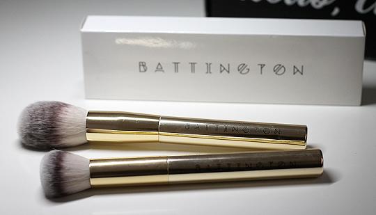 (Battington Beauty) 2-teiliges Pinsel-Set Powder and Contour