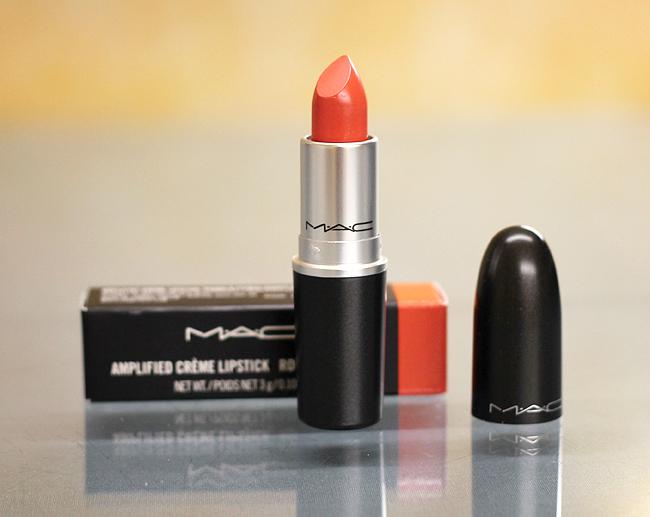 """(M.A.C) Amplified Crème Lipstick in """"120 Vegas Volt"""""""