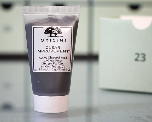 Kästchen 23: Origins Clear Improvement Active Charcoal Mask