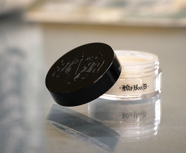 (Kat Von D) Lock-it Translucent Setting Powder