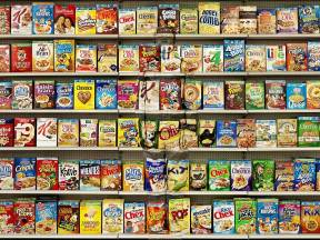 Liu-Bolin-Hiding-in-New-York_8-Cereal-2013