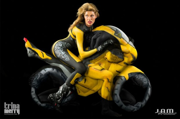 Human-Motorcycle-Body-Painting-600x395