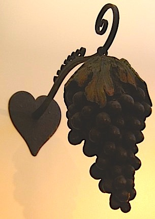 grapeTaverngrapes1