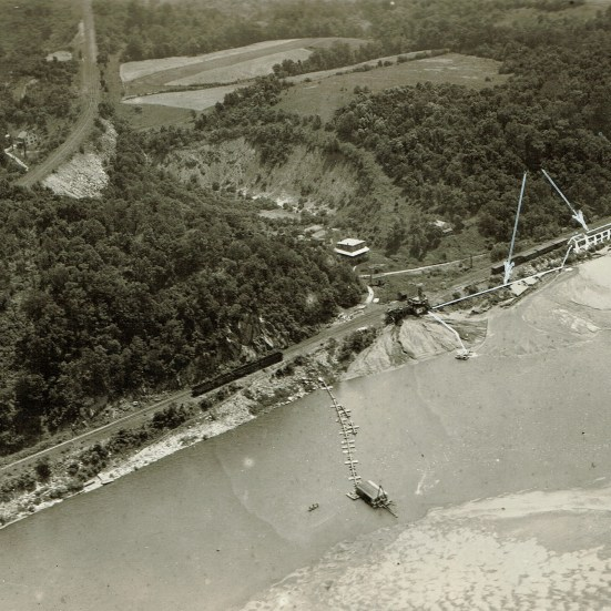 1922 aerial photo looking east