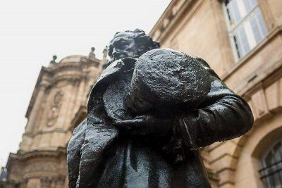 francisco goya statue