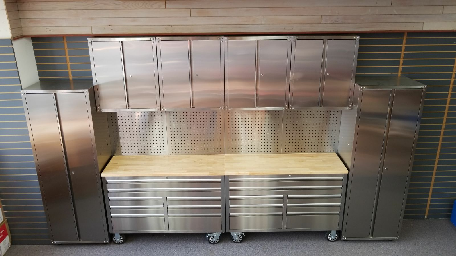 NEW 12 PIECE STAINLESS STEEL GARAGE CABINET SET  Uncle