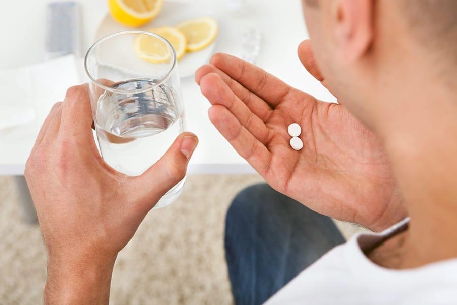 прием препаратов от полового герпеса