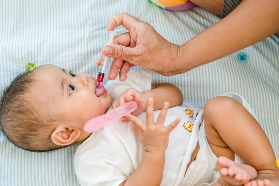 Привет антипрививочникам: за корью возрождается полиомиелит