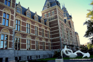 Wander through five centuries of Dutch architecture for free in the Rijksmuseum gardens.
