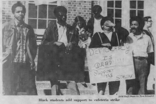 Students Protesting During the Second Strike, Photo by Tom Schnabel in The Daily Tar Heel, 12 November 1969, Page 1.