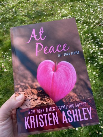 At Peace and flowers - (un)Conventional Bookworms - Weekend Wrap-up