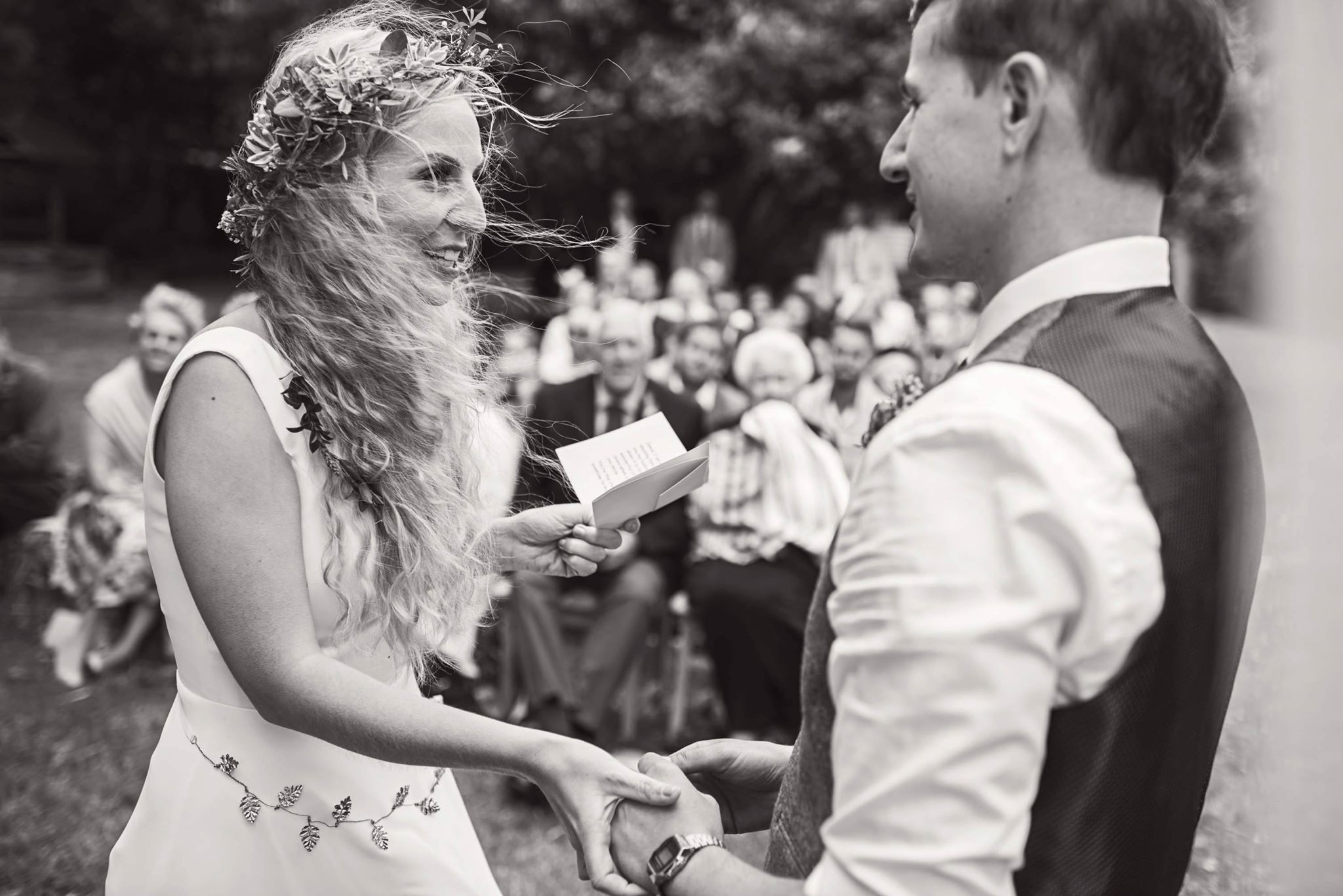 Guide to a celebrant wedding blog - thomas thomas photography - outdoor wedding - outdoor ceremony - vows