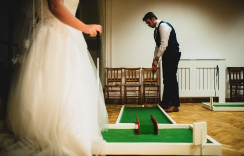 9 hole event hire - mini golf for weddings - wedding entertainment - alternative wedding entertainment 5