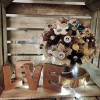 arlo arts - LOVE - alternative wedding bouquet