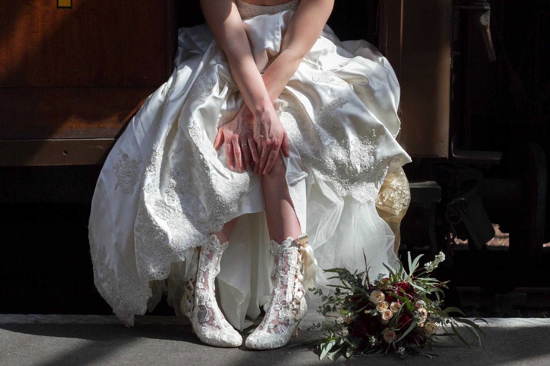 Iso Elegant Photography - Leicester wedding network - Railway wedding - vintage wedding 32
