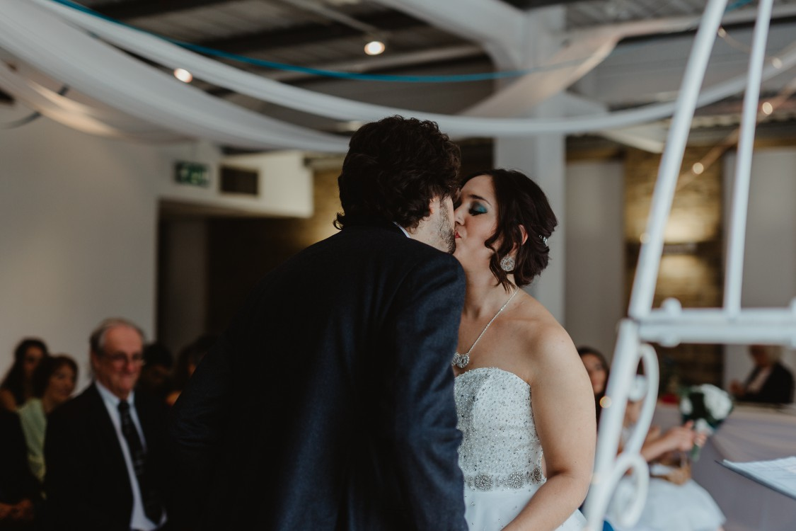 Stevie Jay photography - Unconventional Wedding at Storthes Hall Huddersfield - alternative wedding 35 (2)