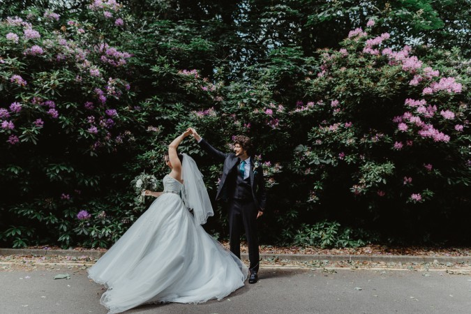 Stevie Jay photography - Unconventional Wedding at Storthes Hall Huddersfield - alternative wedding 4