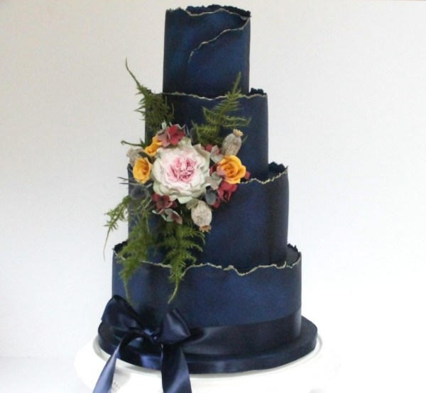 Unconventional wedding - colour of the year 2019 - deep blueberry crush - debbie gillespie cakes 2