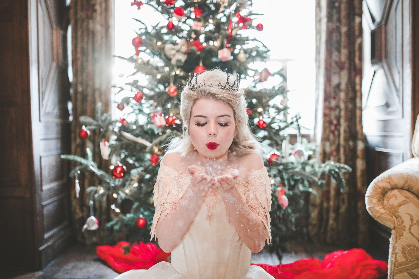 christmas wedding - Victoria Taylor-Christmas Fairy-Laura Beresford Photography- COVER (2)