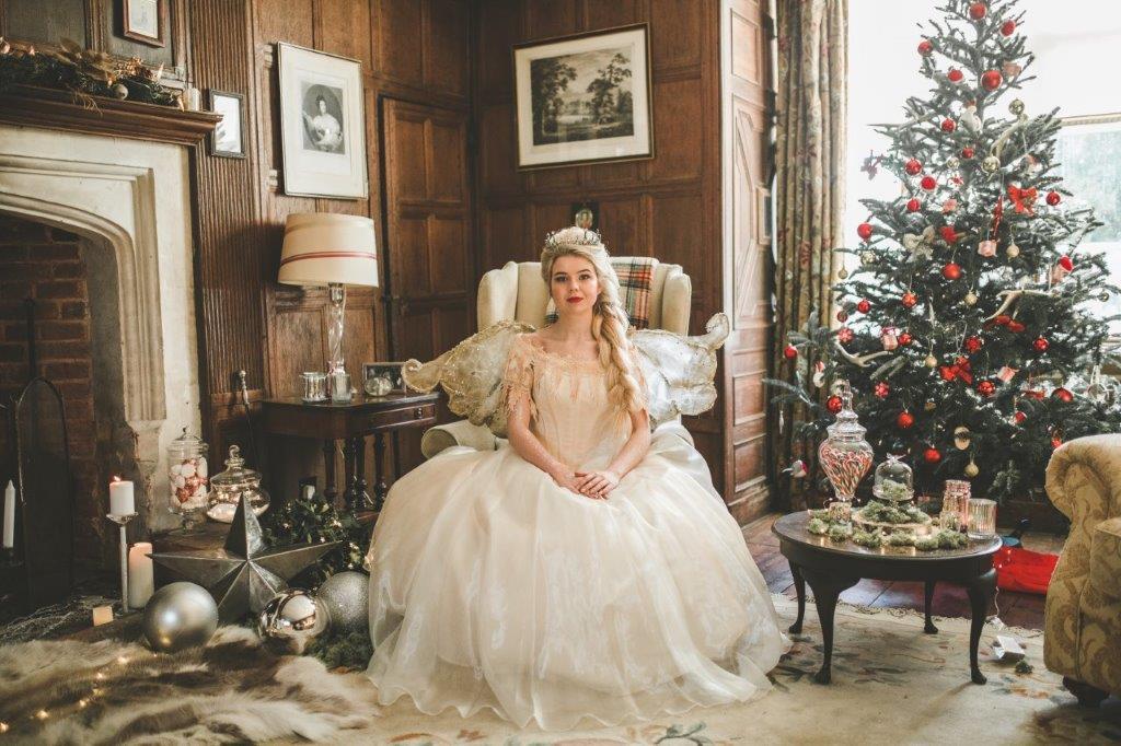 christmas wedding- victoria taylor- laura beresford photography- chair