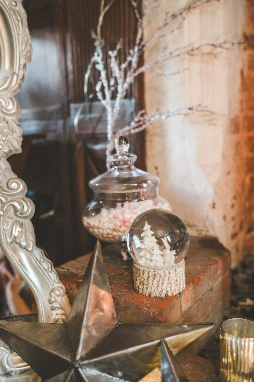 christmas wedding- victoria taylor- laura beresford photography- details
