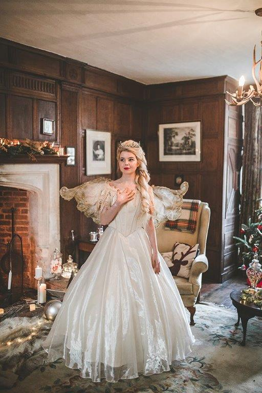 christmas wedding- victoria taylor- laura beresford photography- nice