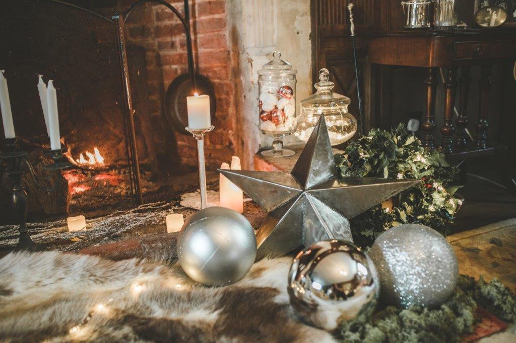 christmas wedding- victoria taylor- laura beresford photography- star