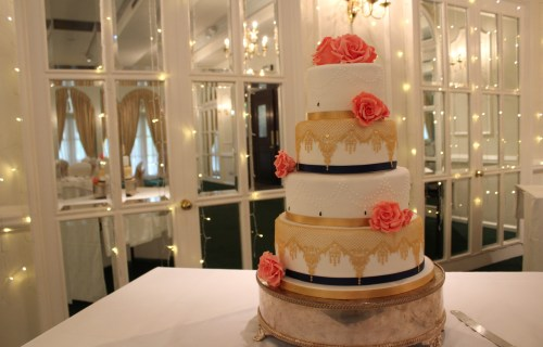 Happy yellow cake company - chalkbord wedding cake - unique wedding cakes 1 (2)
