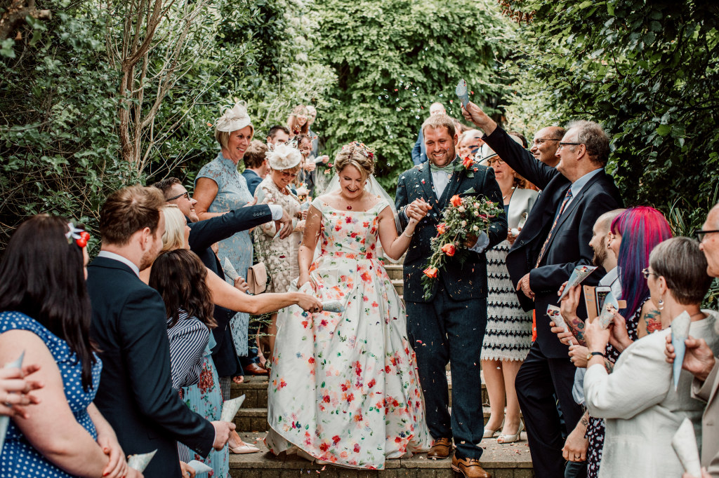 Alpaca Yurt Wedding- Confetti