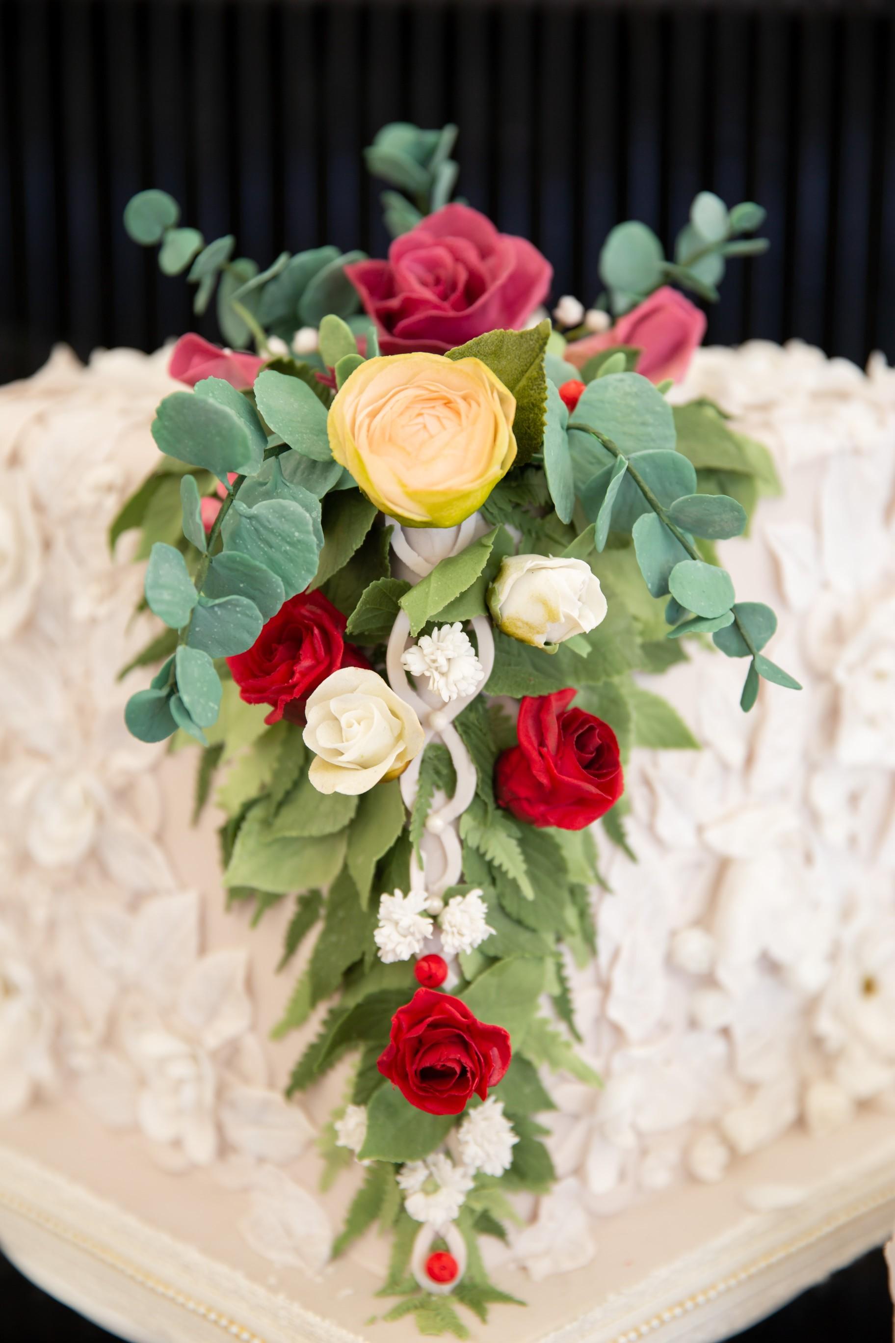 My Little Studio - Creative wedding cakes - individual wedding cakes - alternative wedding cakes 2 - Lumiere wedding photography
