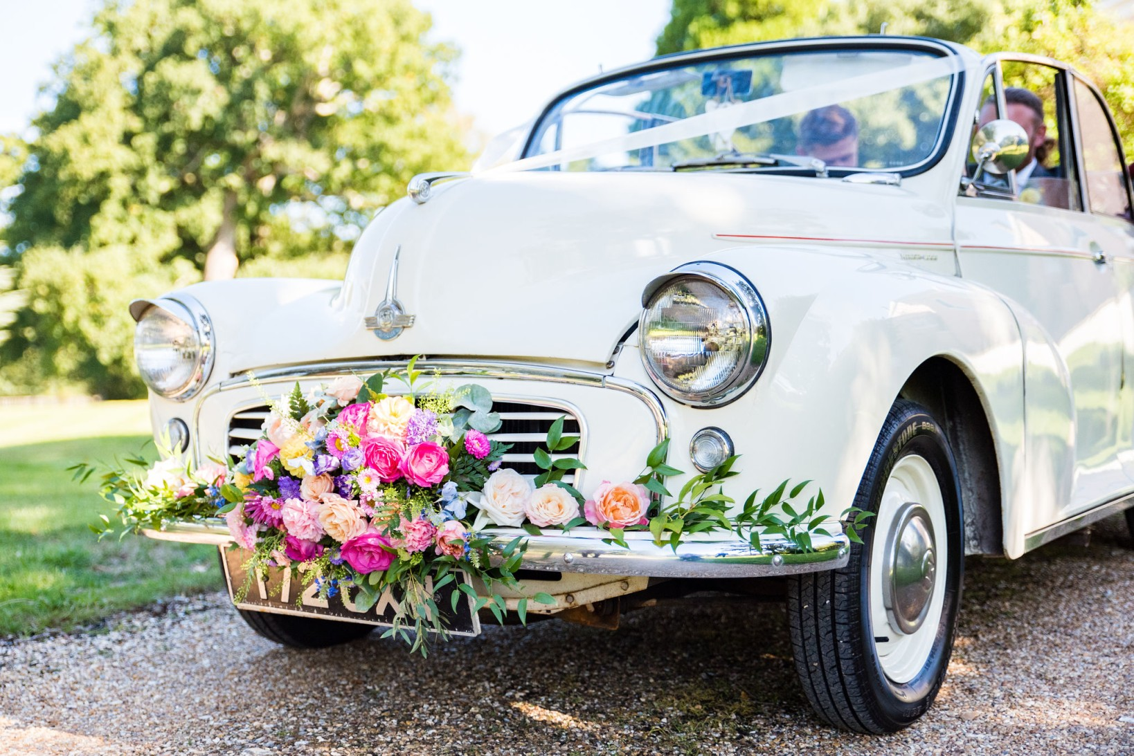 Chantelle Goble Photography - Rainbow wedding - wedding car - engagement photoshoot advice - alternative wedding 2