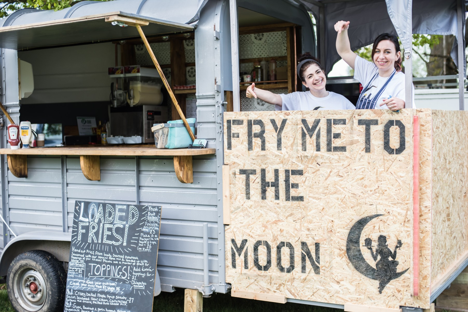 Festival wedding - Unconventional Wedding Festival - Fry me to the moon - wedding food van (2)