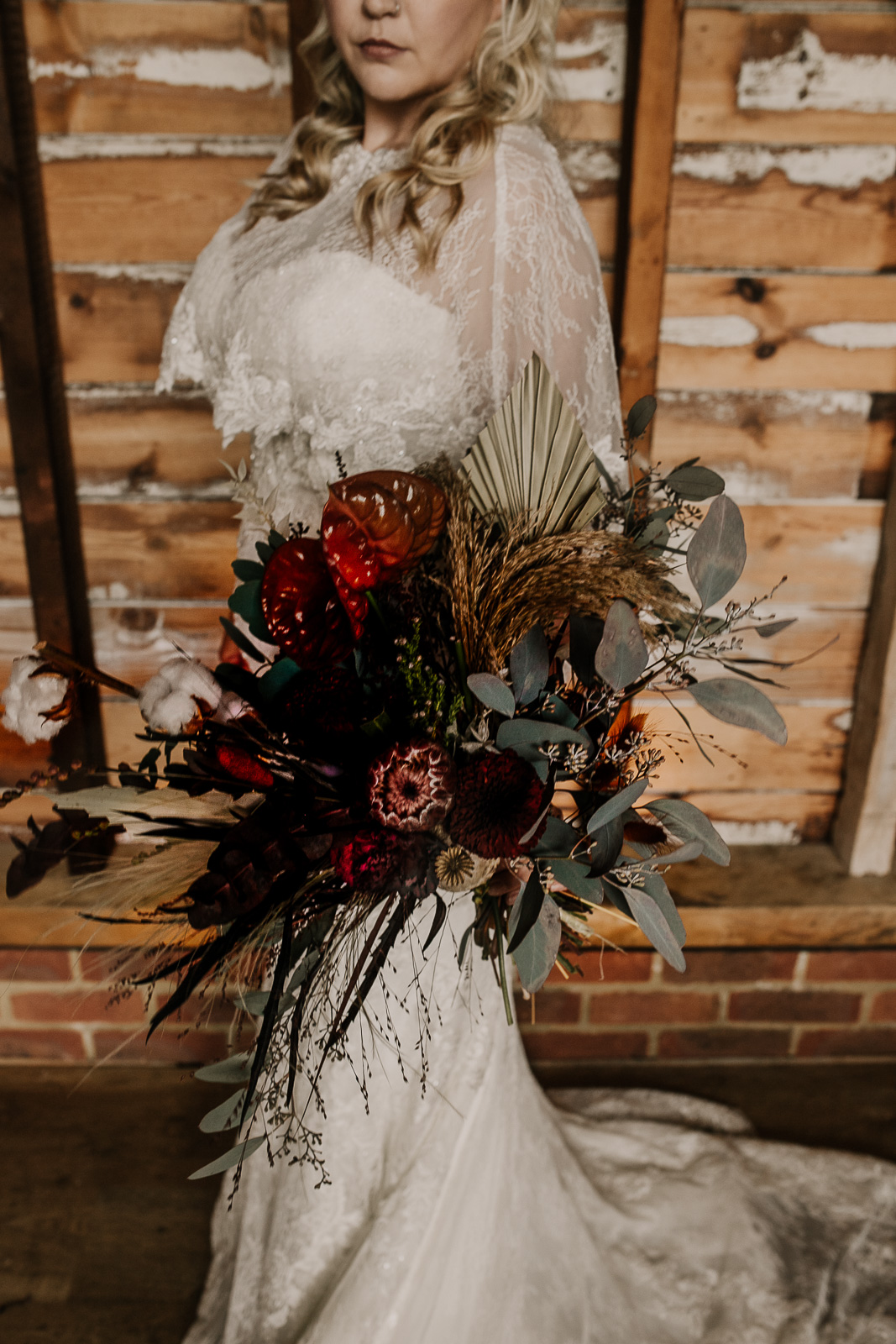 Modern barn wedding- jessica lily photography- unconventional wedding- autumn wedding bouquet