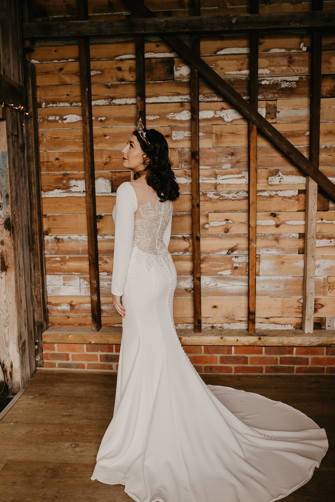 Modern barn wedding- jessica lily photography- unconventional wedding- unique wedding dress with train