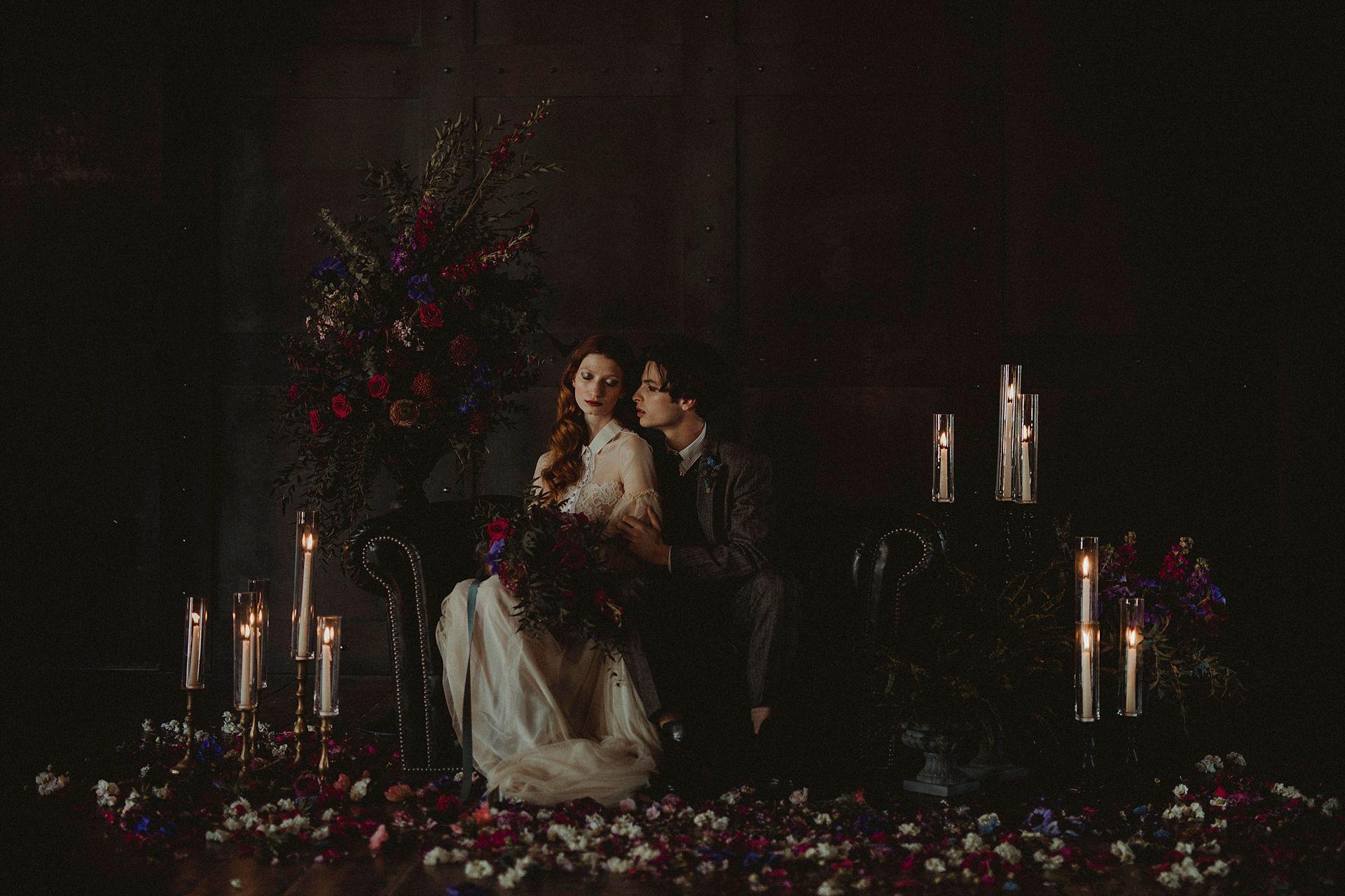 Decadent Wedding Inspiration- Moody Wedding Inspiration- Sudio Fotografico Bacci- Unconventional Wedding- elegant wedding- luxurious wedding photography