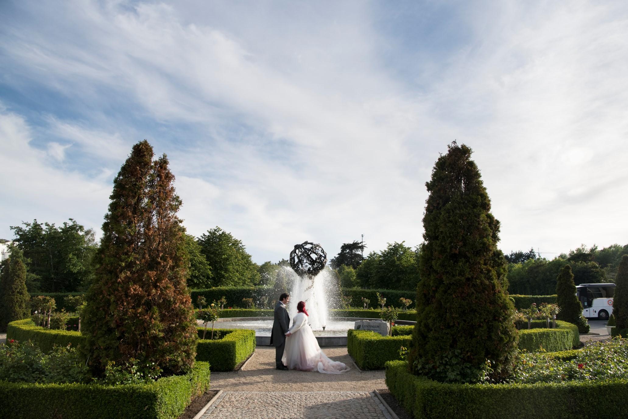 Zoo Wedding- Emma May Photography- Unconventional Wedding- Unique Wedding Inspiration 9