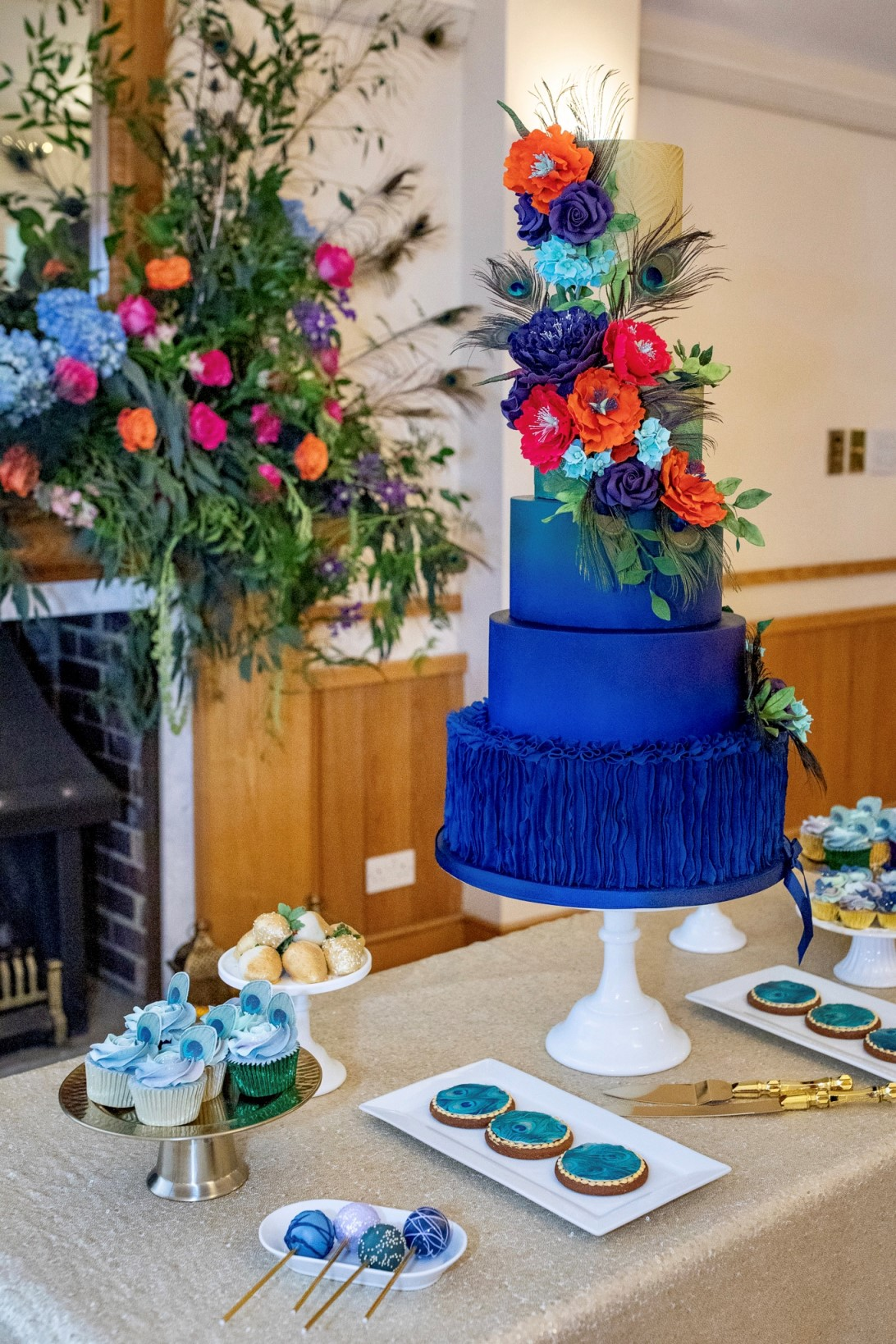 peacock wedding- unconventional wedding- peacock wedding cake- colourful wedding cake- colourful wedding flowers