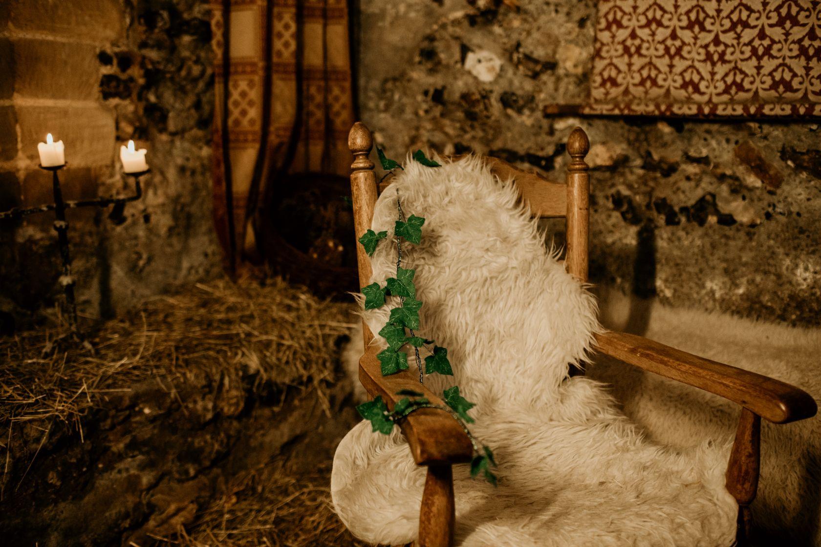 alternative fairytale wedding- snow white wedding- charlotte laurie designs-chloe mary photo- unconventional wedding- alternative wedding inspiration- alternative wedding styling