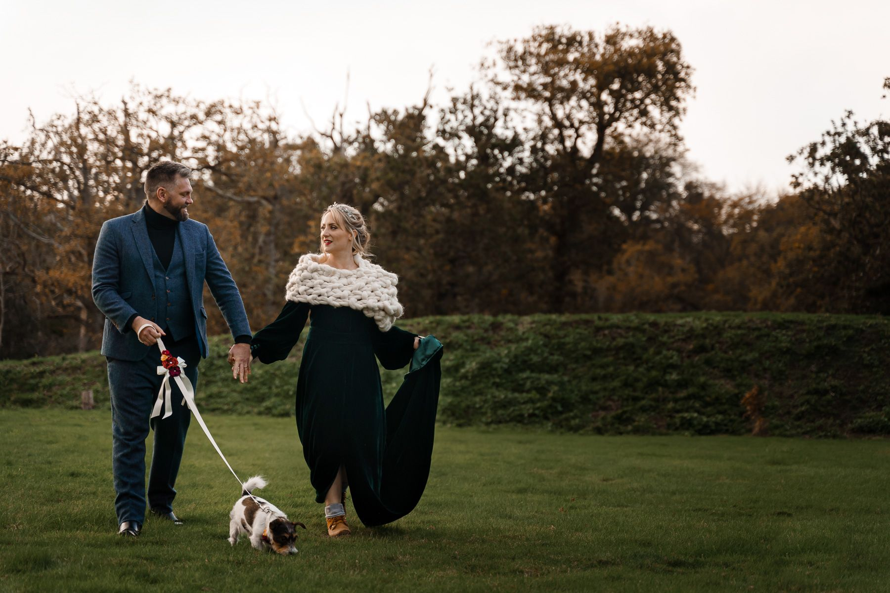 dog friendly wedding- dogs at weddings- katherine and her camera- dog wedding accessories-unconventional wedding- wedding planning advice- pets at weddings