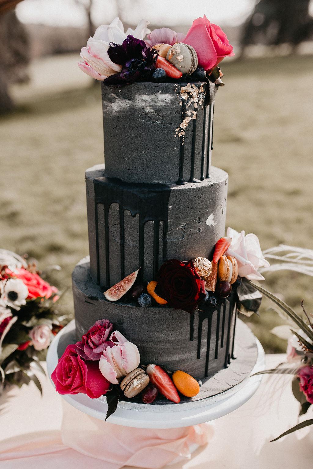 romantic woodland wedding - whimsical wedding- shakespeare wedding- unconventional wedding- grey wedding cake- eclectic wedding cake