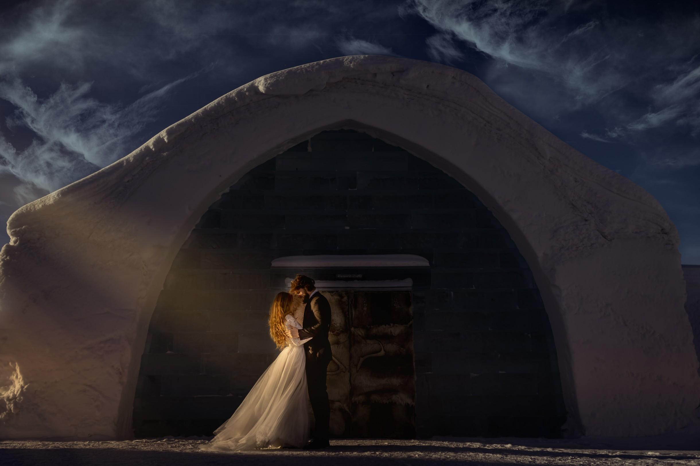 winter wedding at icehotel sweden - cinematic wedding photography - ice wedding - elopement in sweden - creative wedding photographer - unconventional wedding - alternative wedding - unique wedding - artistic wedding - moody wedding photos