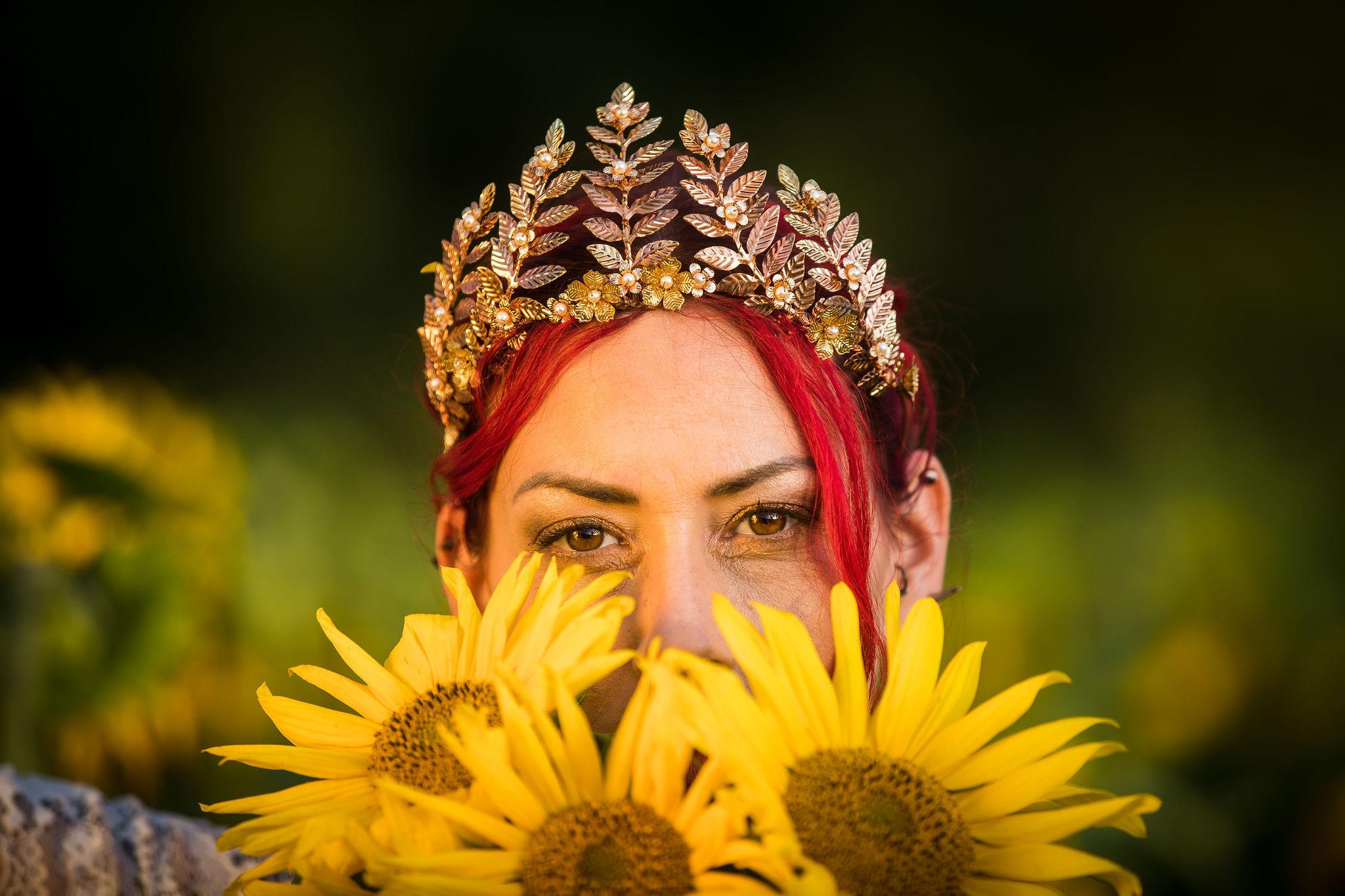 sunflower themed wedding - unconventional wedding - sunflower wedding - autumn wedding - alternative wedding planning - wedding crown- wedding tiara