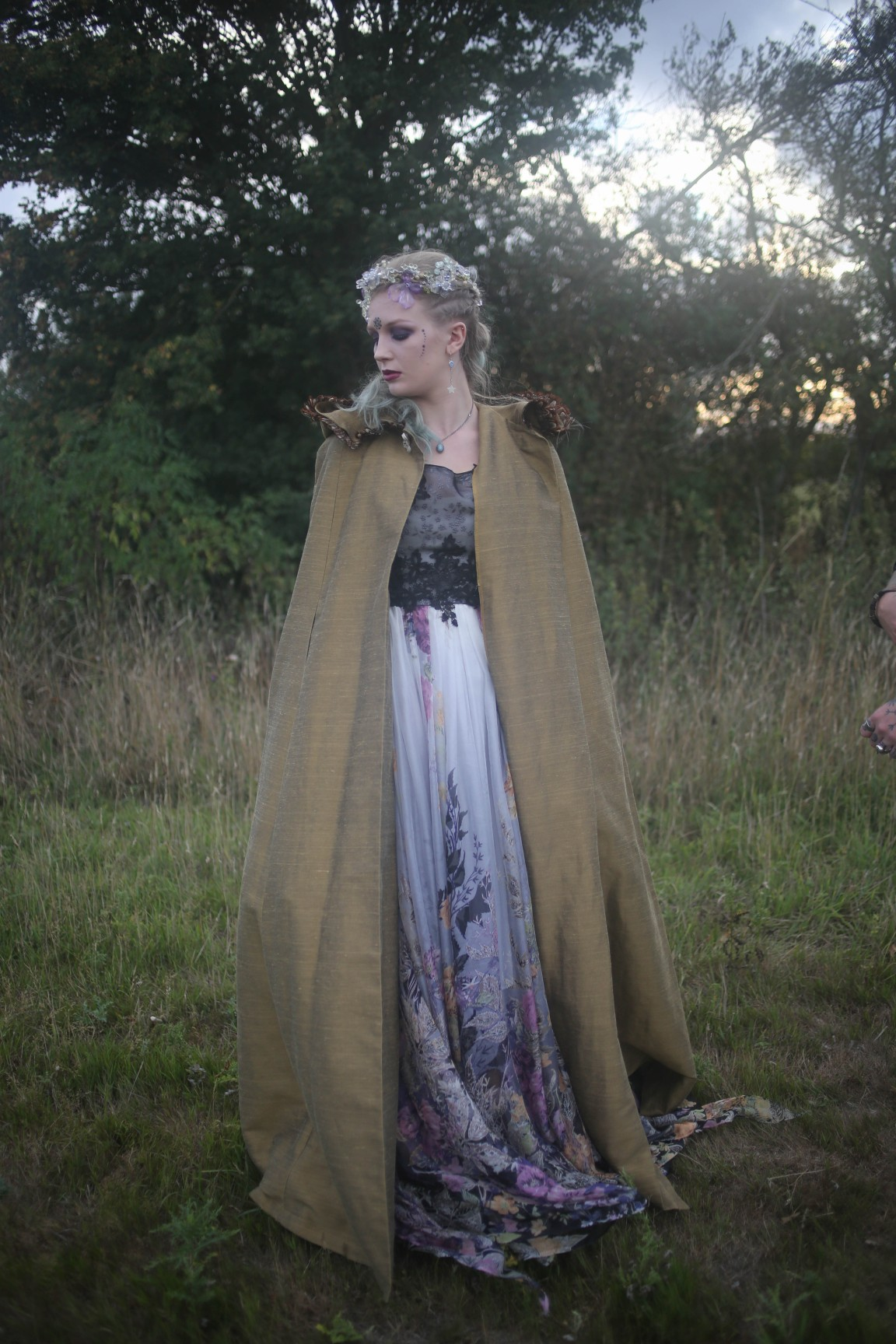 nature wedding - pagan wedding - ethereal wedding - spiritual wedding - alternative wedding - mystical wedding - quirky wedding - earthy bridal cape - witchy bride - pagan bride